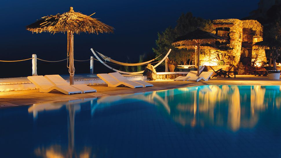 003728-08-poolside-night