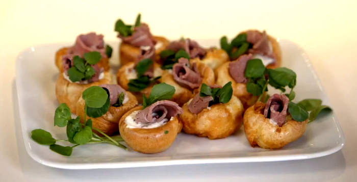yorkshire-pudding-canapes